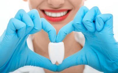 Come prevenire, ai primi sintomi, le patologie di denti e bocca