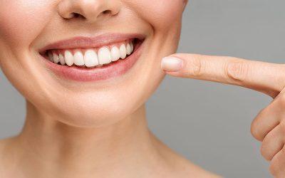Denti più belli sostituendo l'amalgama